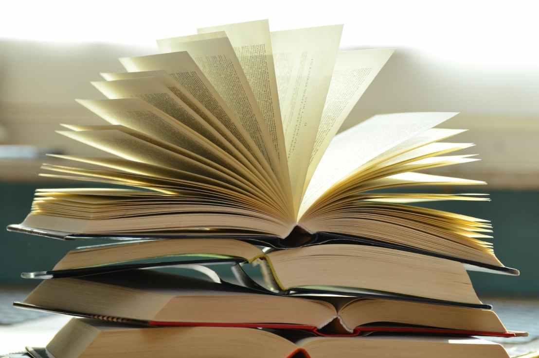 Lukutaidon kehittäminen näytelmätekstejä lukemalla